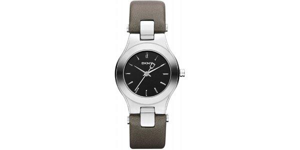 Dámske hodinky so šedým remienkom DKNY