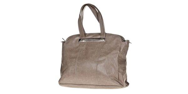 Dámska svetlo hnedá kabelka s ozdobnou visačkou Versace Jeans