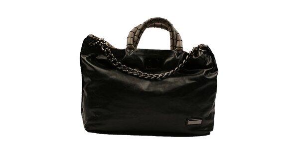 Dámska čierna obdĺžniková kabelka s reťazou Pierre Cardin