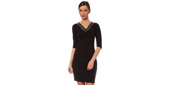 Dámske tmavo hnedé šaty s ozdobným výstrihom TopShop