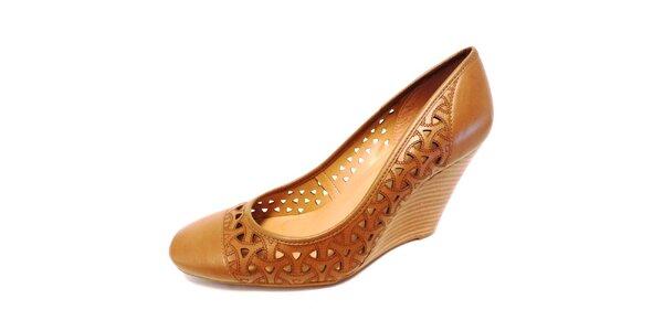 Dámske béžové perforované topánky na kline Via Uno