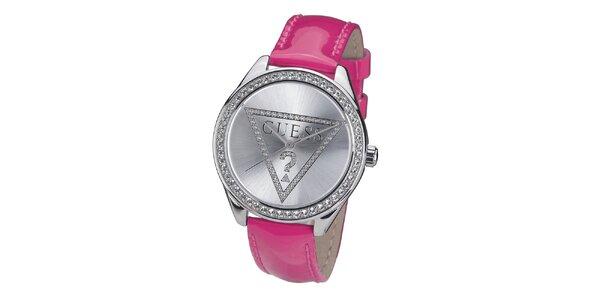 Dámske hodinky s kamienkami a ružovým remienkom Guess