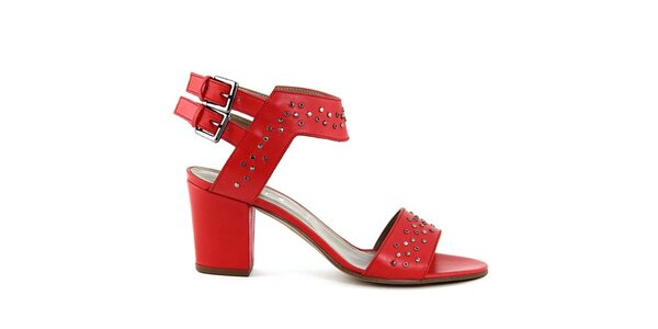 Dámske červené sandálky s cvočkami Eye