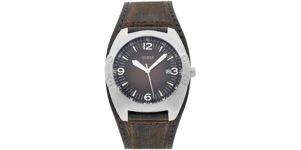 Pánske strieborné hodinky so širokým remienkom Guess