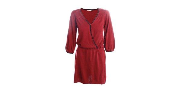 Dámske červené šaty s čiernymi lemami 2two