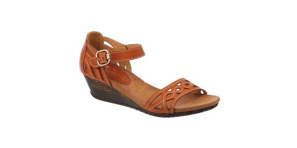 Dámske hnedé sandálky na kline Elisabeth