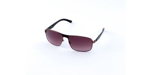 Pánske tmavo hnedé slnečné okuliare Guess s tmavo fialovými sklami