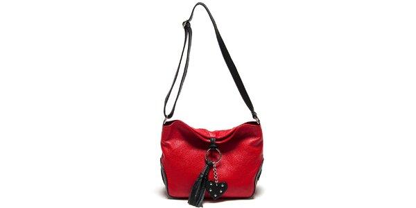 Dámska červená kabelka so strapcom Carla Ferreri