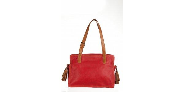 Velká červená kabelka so strapcami