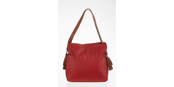 Červená štvorcová kabelka so strapcami