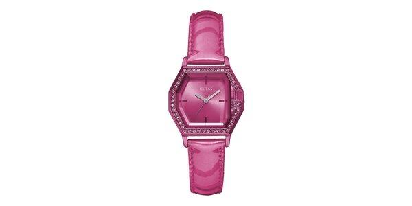 Dámske ružové náramkové hodinky s koženým remienkom Guess