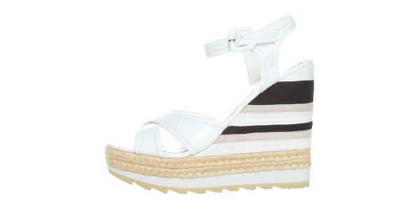 Dámske bielo-čierne lakované sandále na pruhovanom podpätku GAS