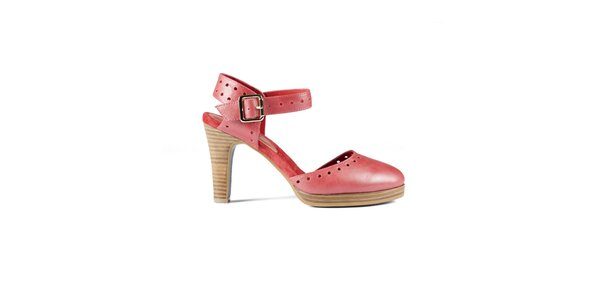 Dámske červené lakované sandálky Lise Lindvig s plnou špičkou