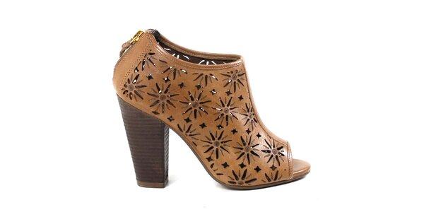Dámske béžové členkové perforované topánky na opätku Made In