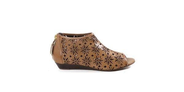 Dámske béžové členkové perforované topánky Made In