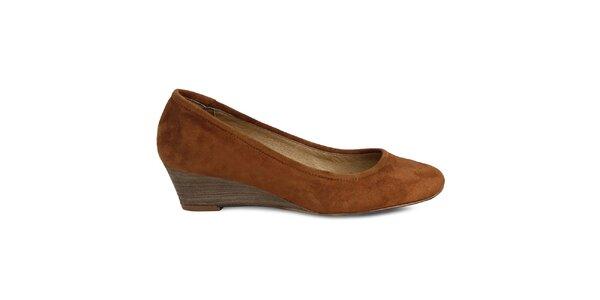 Dámske hnedé semišové topánky na kline Made In