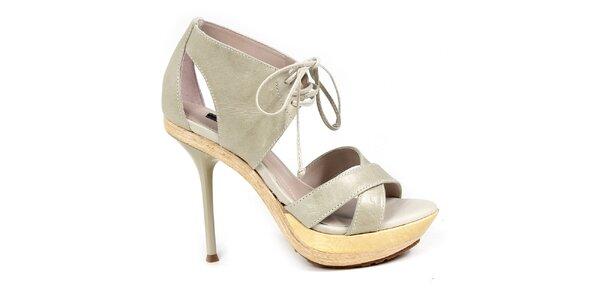 Dámske svetlé topánky na opätku so šnúrkou Made In