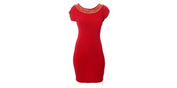 Dámske sýto červené šaty Via Bellucci s retiazkami