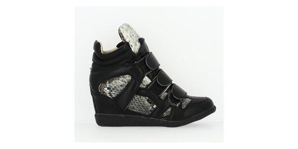 Dámske čierne tenisky na kline s hadími detailmi Shoes and the City