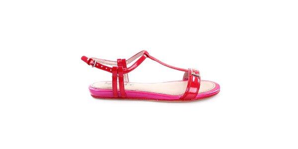 Dámske nízke červeno-ružové remienkové sandálky DKNY