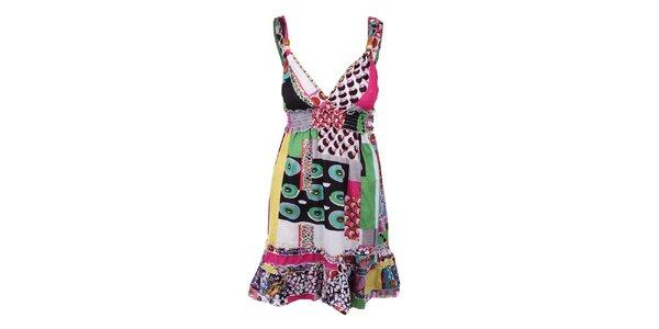 Dámske farebné krátke šaty s výstrihom Dislay DY Design