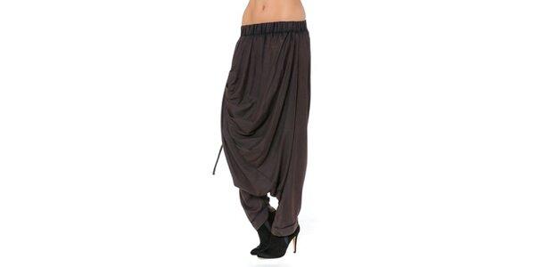 Dámske hnedé voľné nohavice Mahal