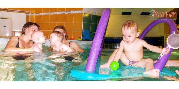 Nedeľné plávanie rodičov s deťmi
