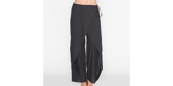 Dámske čierne voľné nohavice Mahal