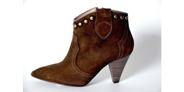 Dámske hnedé kotníkové topánky Bluegenex s kovovými cvokmi