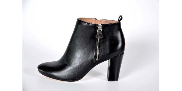 Dámske čierne kotníkové topánky Bluegenex