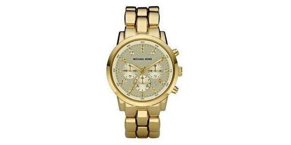 Oceľové hodinky v zlatej farbe s chronografom a dátumovkou Michael Kors
