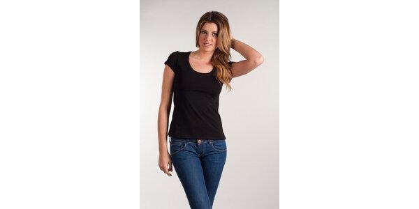 Dámske čierne tričko Calvin Klein okrúhly výstrih