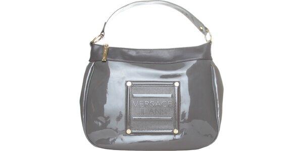 Dámska svetlo šedá lakovaná kabelka Versace Jeans