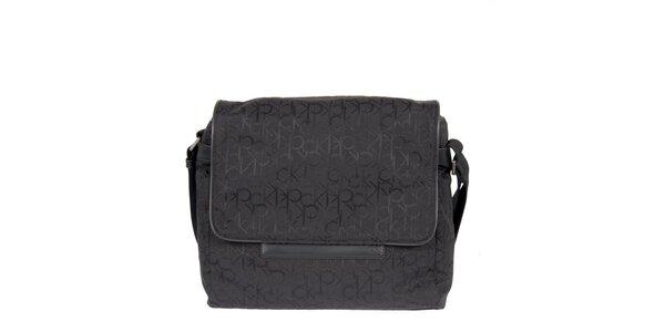 Pánska čierna taška s písmenkovou potlačou Calvin Klein