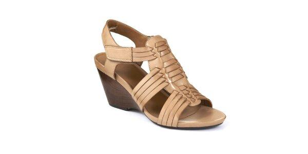 Dámske béžové sandále na kline Clarks