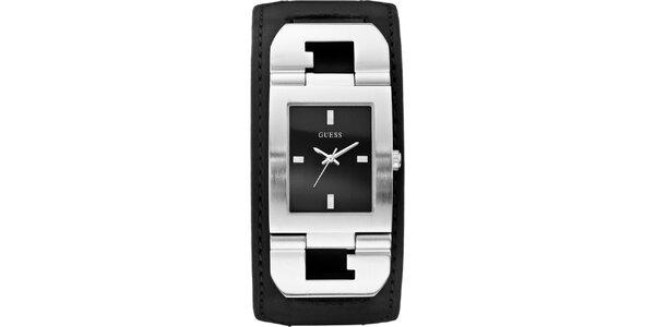 Pánske designové oceľové hodinky s čiernym koženým remienkom Guess