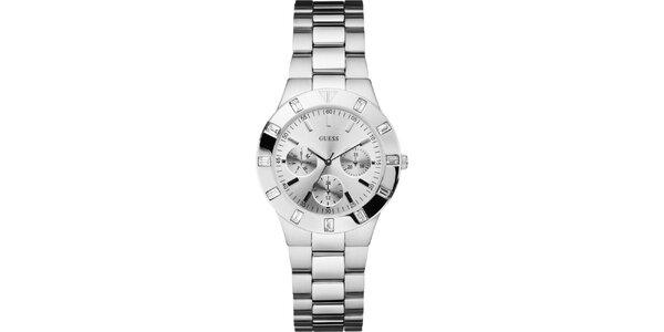 Dámske strieborno tónované oceľové hodinky s chronografom Guess