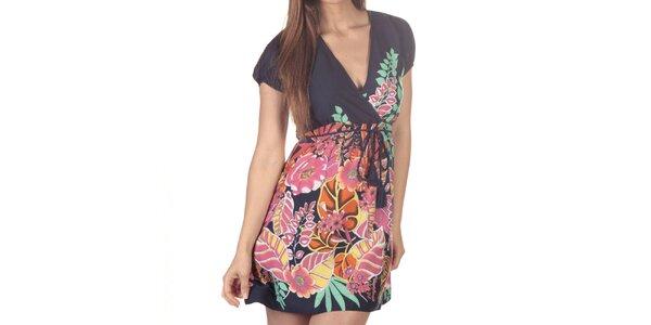 Dámske krátke šaty s viacfarebnou kvetinovou potlačou Azura