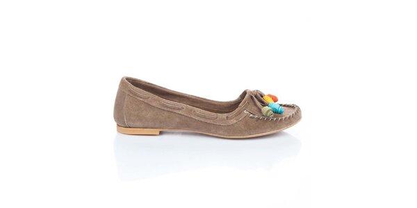 Dámske svetlo hnedé semišové topánočky s farebnými ružičkami Bueno