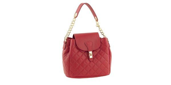 Dámska červená kožená prešívaná kabelka s retiazkou Classe Regina