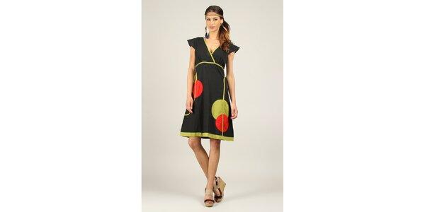 Dámske čierne šaty so zelenými a červenými prvkami Ziva