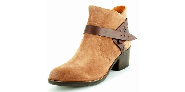 Dámske béžové semišové členkové topánky Geox
