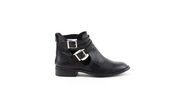 Dámske čierne členkové topánky s prackami MISU