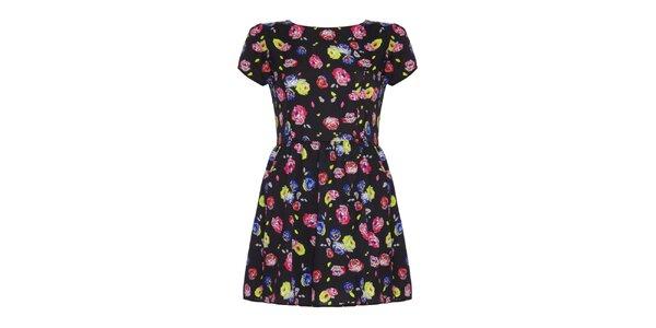 Dámske čierne šaty s farebnými kvetinami Yumi