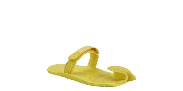 Žiarivo žlté topánky s textilným remienkom cez členok Dopie