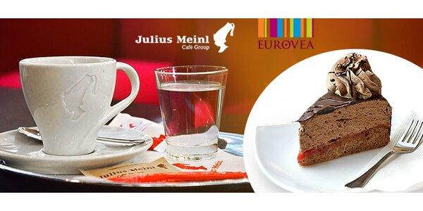 Káva a dezert v Eurovea