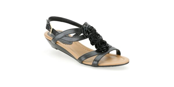 Dámske čierne sandálky s ružičkami Clarks