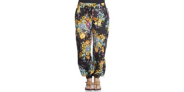 Dámske čierne turecké nohavice s kvetinovou potlačou Kool