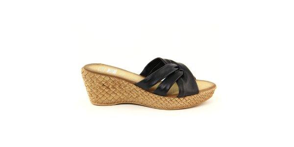 Dámske kožené čierne nazúvacie sandálky Julie Julie