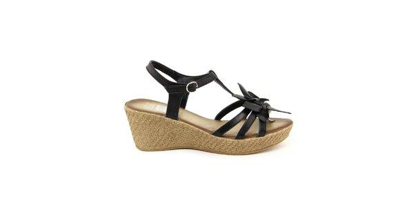 Dámske kožené čierne remienkové sandálky s kvetinou Julie Julie